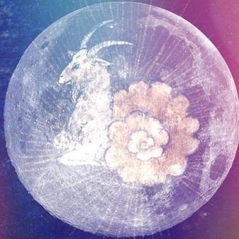 capfull-moon